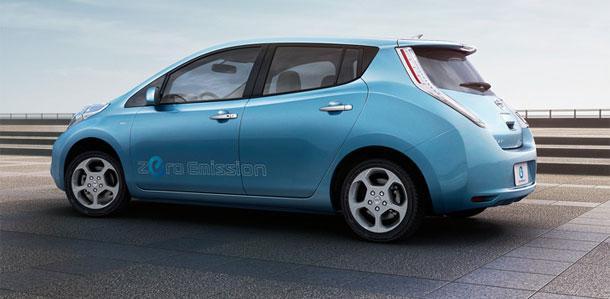 日产在日本追浜工厂已经开始生产零排放聆风电动车.该款电动高清图片