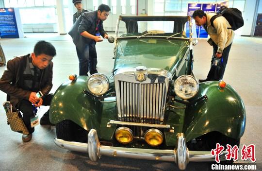 1952年的MG-TD老爷跑车在北京受关注
